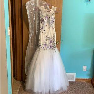Brand new David's Bridal by designer Ellie Wilde